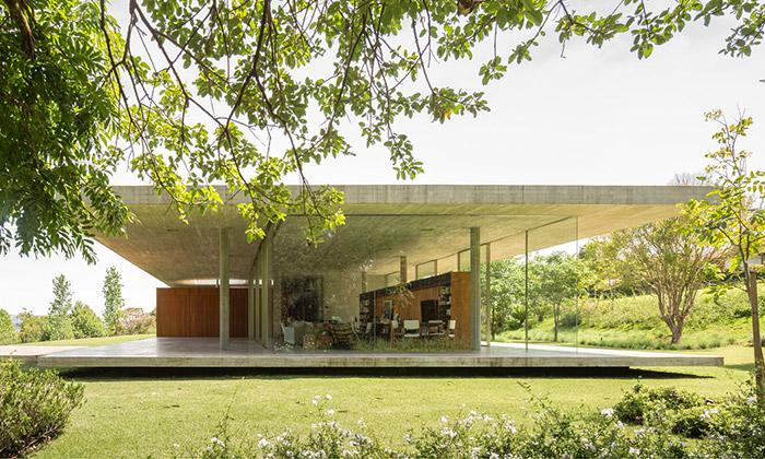 Minimalistický Casa Redux cituje miesovské prvky