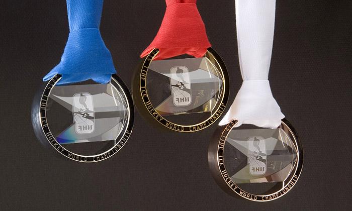 Hokejové mistrovství má medaile zkovu akřišťálu
