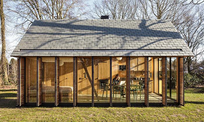 Zecc postavili uUtrechtu rekreační domek ze dřeva