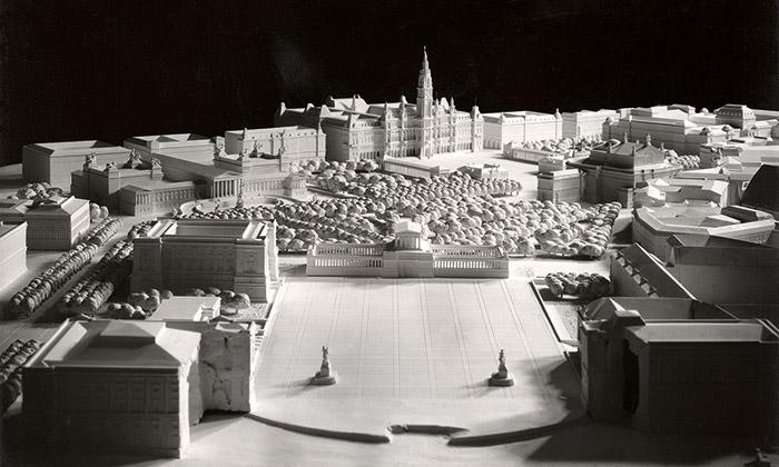 Výstava ukazuje budování Vídně jako Perly Třetí říše