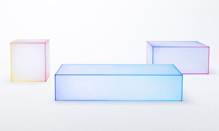 Nendo navrhli skleněné stolky Soft pro Glas Italia