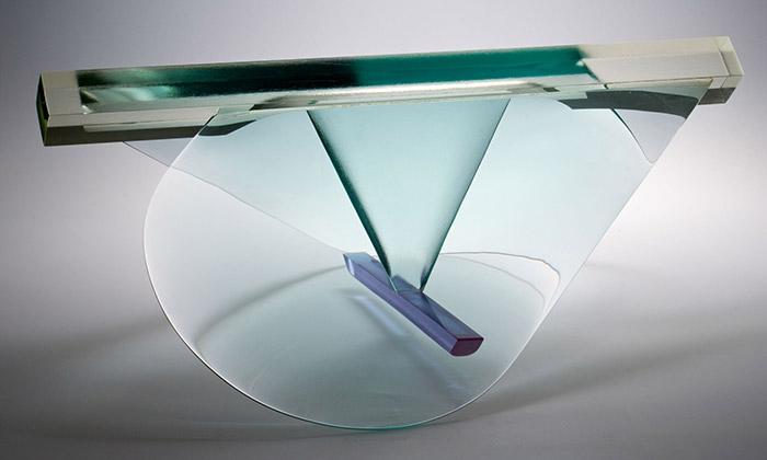 Zabydlená krajina vystavuje moderní sklo iobrazy