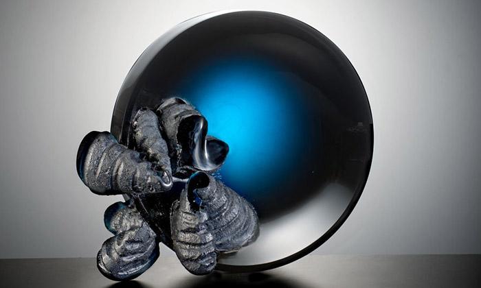 Kryštof Rybák vystavuje vOstravě skleněné plastiky