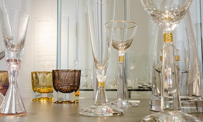 Hot & Cold jevýstava nápojového skla aporcelánu
