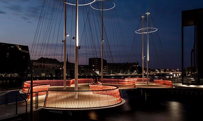 Olafur Eliasson postavil vKodani most Cirkelbroen