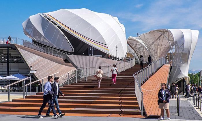 Německý pavilon naExpo připomíná pole alouky