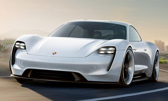 Porsche představilo koncept elektrického Mission E