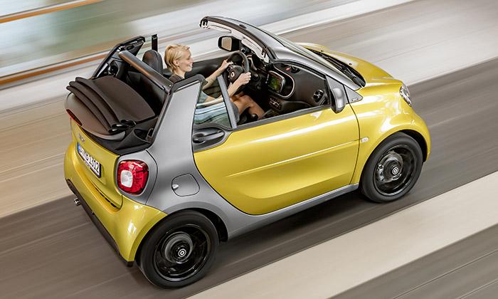 Smart Fortwo přijíždí votevřené letní verzi Cabrio