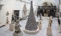 Barnaby Barford a jeho Babylonská věž z tisíců malých obchodů