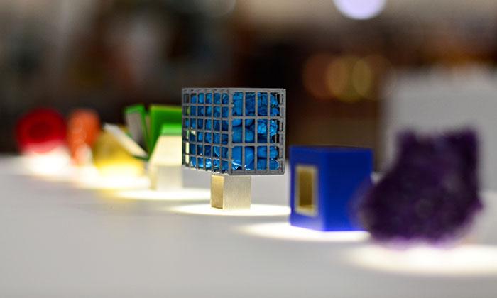 Dana Bezděková navrhla kolekci šperků Spectrum