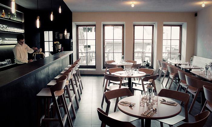 V Litomyšli otevřeli café bar Havran plný kontrastů