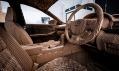 Lexus IS s řezaného kartonu