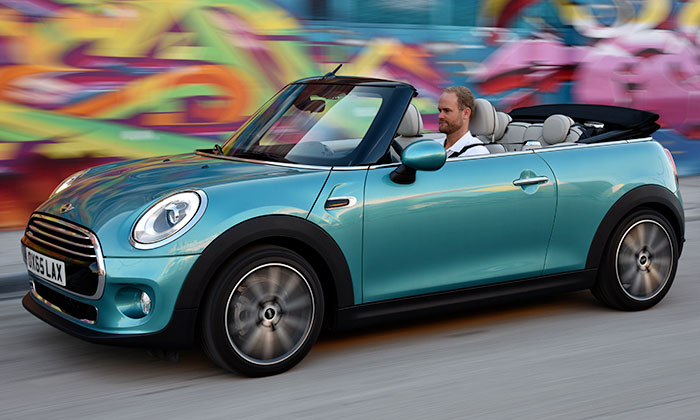Mini Cooper představen vletní otevřené verzi Cabrio
