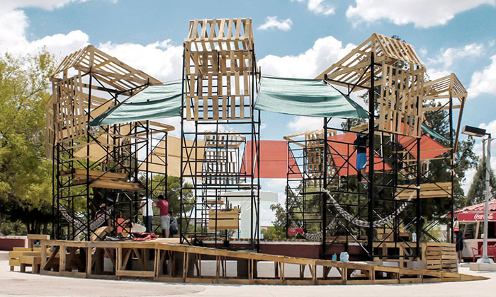 Studenti vMexiku postavili zfontány veřejné lázně