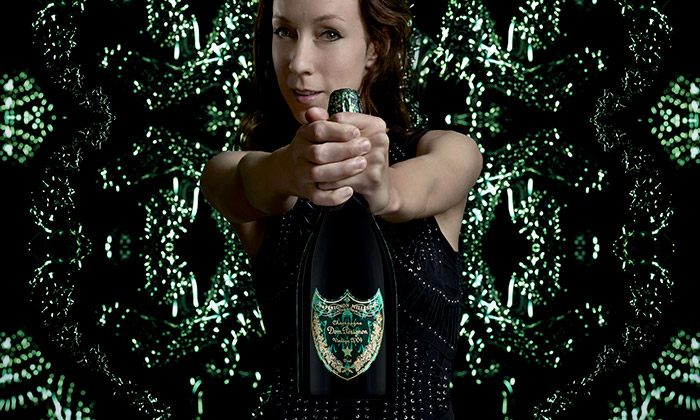 Iris van Herpen a její podání Dom Pérignon jako Cocoonase