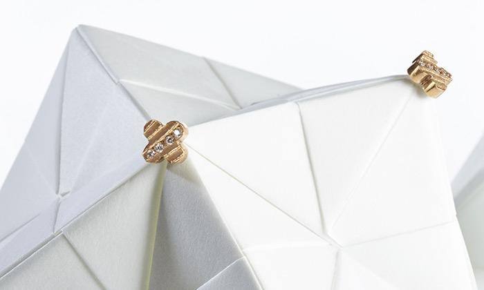 Věra Nováková navrhla kolekci šperků sečtyřlístky