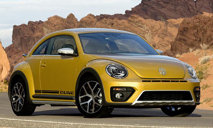 Volkswagen představil sériovou verzi Beetle Dune