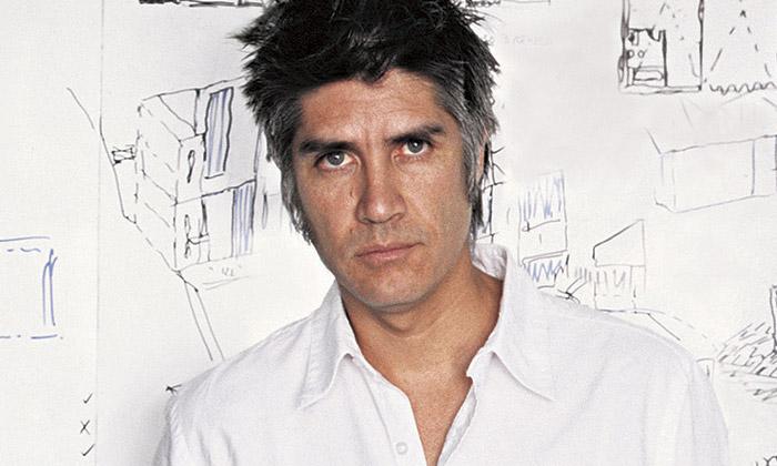 Alejandro Aravena získal cenu Pritzker Prize 2016