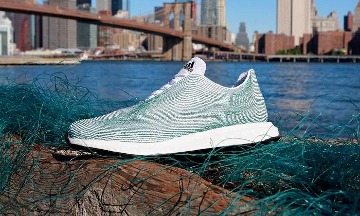 Adidas vyrobil boty zplastů nalezených voceánu