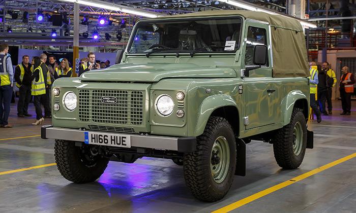 Land Rover po68 letech ukončil výrobu Defenderu