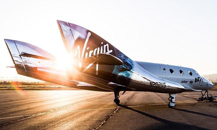 SpaceShipTwo jenový letoun pro cesty dovesmíru