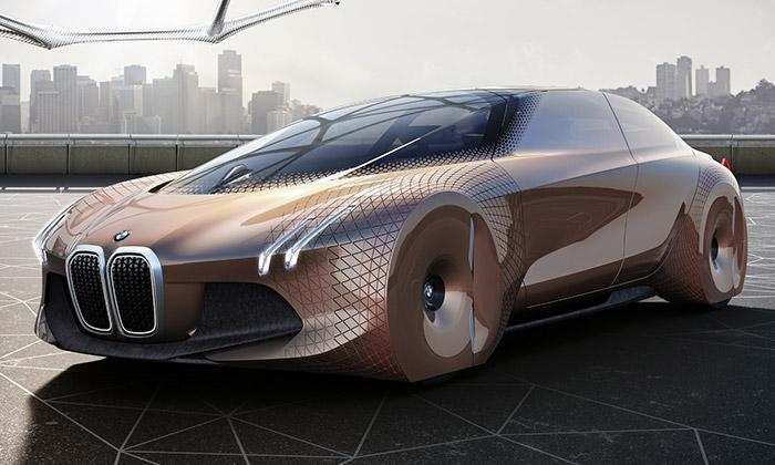 BMW slaví 100 let konceptem vozu Vision Next 100