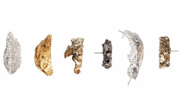 Eliška Lhotská vytvořila šperky zodlitků kusů chleba