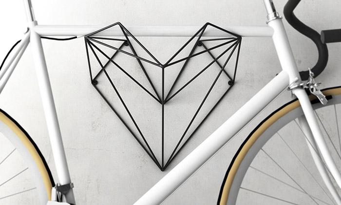 Martin Foret navrhl stylový držák nakolo Hang Bike