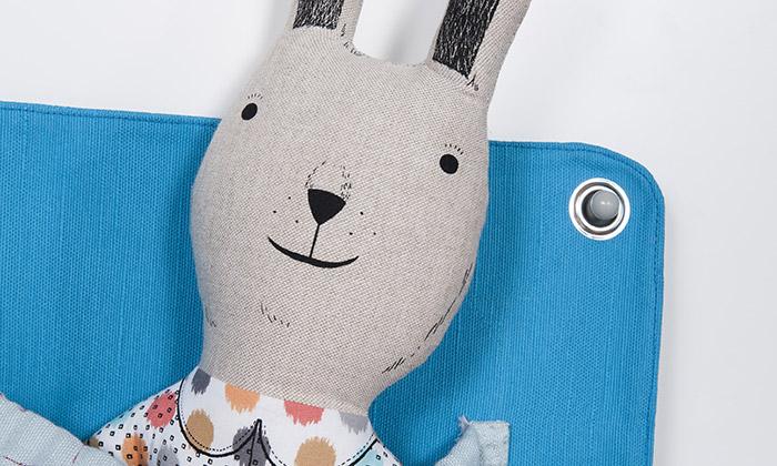 Devoto vyrábí hračky adětský nábytek spříběhem