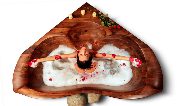 Luxury Wood ručně vyrábí dřevěné vany aumyvadla