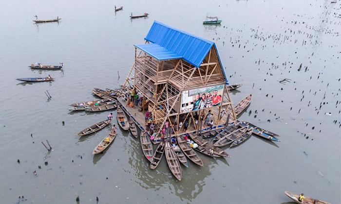 Makoko Floating School jeplovoucí škola ze dřeva