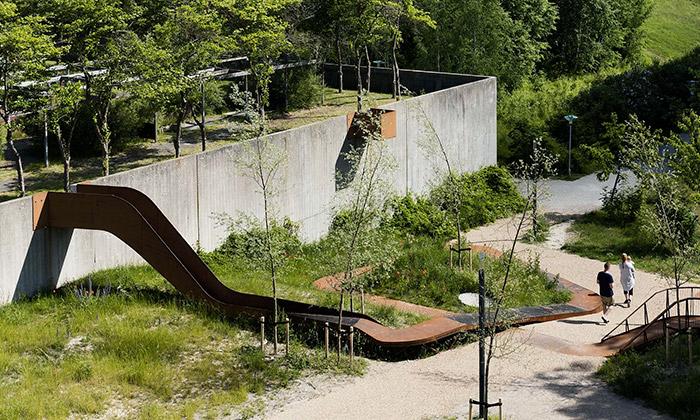 Kodaň postavila nové hřiště zbetonu arezavé oceli