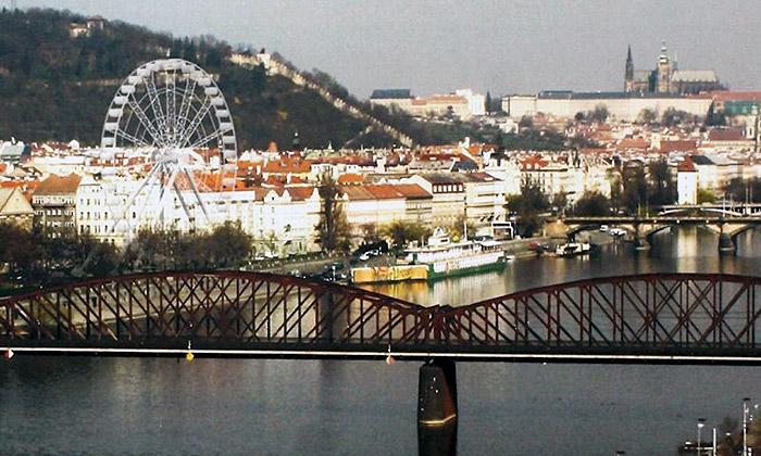 Praha 5 plánuje uVltavy postavit vyhlídkové kolo