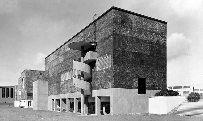 Praha vystavuje slavné stavby Bohuslava Fuchse