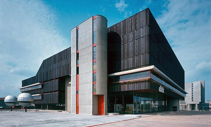 Studenti FAČVUT zmapovali poválečnou architekturu