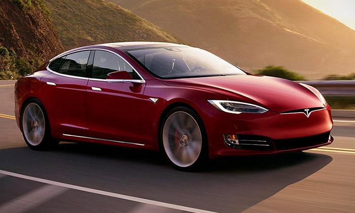 Tesla Model SP100D jenejrychlejší vyráběný vůz