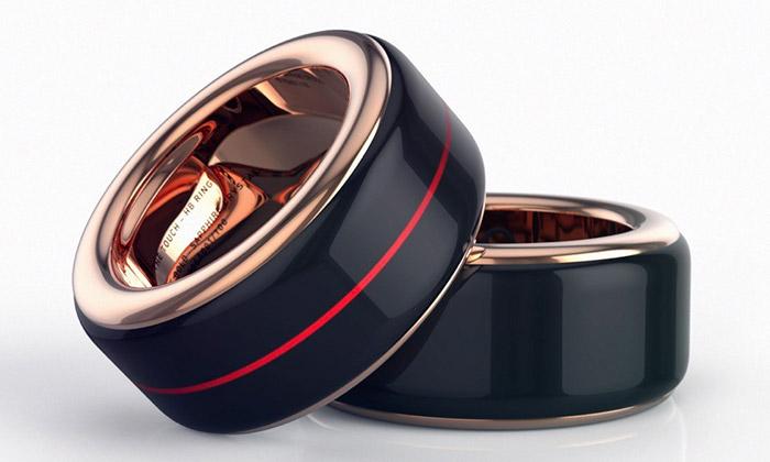 Češi navrhli prsten HB Ring ksledování tepu druhého