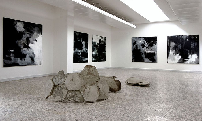 Tomáš Polcar vystavuje abstraktní Krajiny asochy