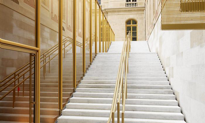 Zámek Versailles zdobí návštěvnický pavilon Dufour