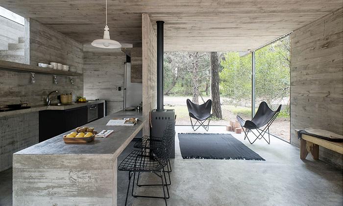 Casa H3 jemalý domek vlese zpohledového betonu