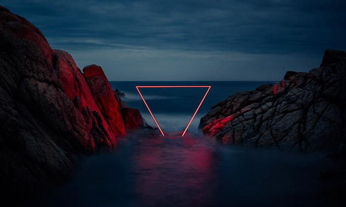 Francouz nafotil španělskou přírodu sčervenou linií
