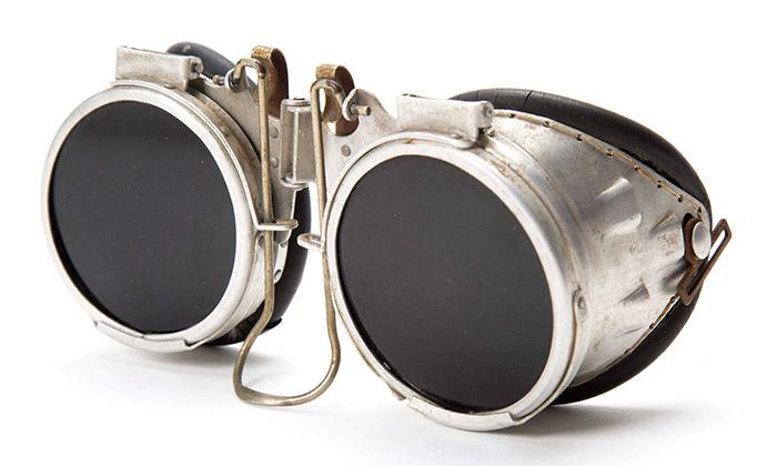 Ukázka z výstavy Eyeglasses v Design Museum Holon