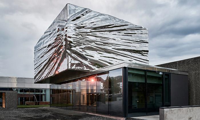 Lillehammer Art Museum a rozšíření od studia Snøhetta