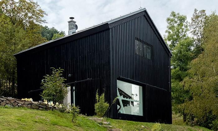 OOOOX přestavěli starou stodolu namoderní bydlení