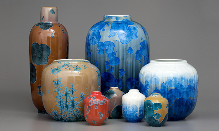 Milan Pekař vystavuje vBrně své unikátní vázy