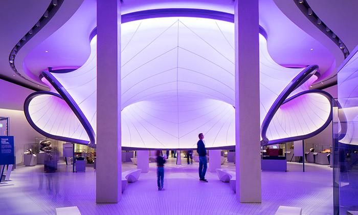 Londýn otevřel galerii matematiky podle Zahy Hadid