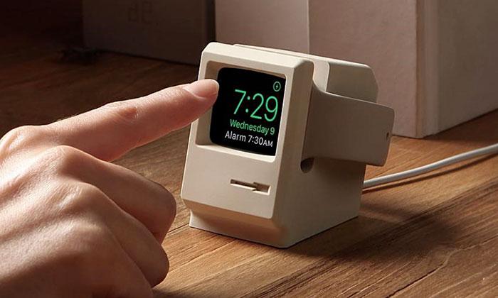 Stojánek udělá zApple Watch mini počítač Macintosh