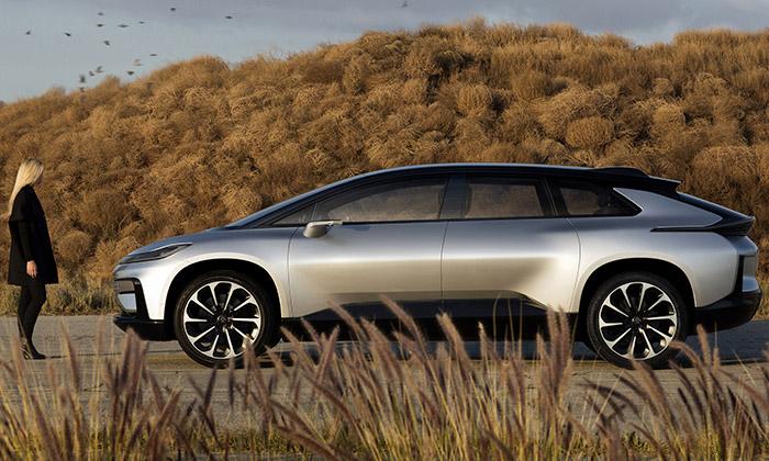 Faraday Future uvádí futuristický sériový vůz FF 91