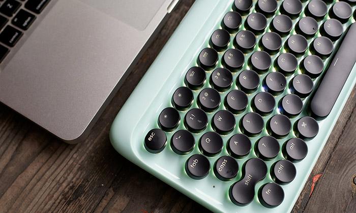 Lofree jeklávesnice sretro designem psacího stroje