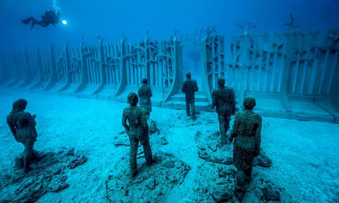 Lanzarote má podmořské muzeum se300 sochami